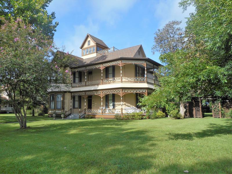 1893 Queen Anne Victorian For Sale In Sealy Texas